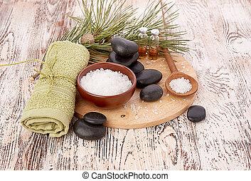 Coniferous bath salt and towel