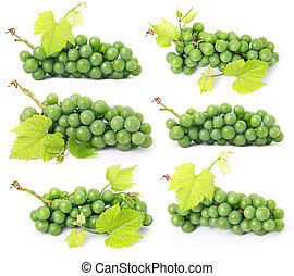 conjunto, de, uva, fruits, con, hojas verdes, aislado