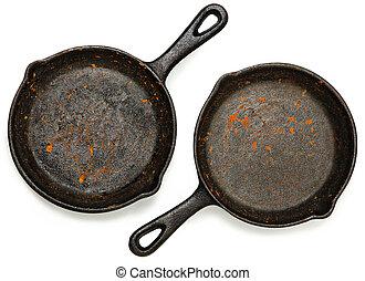 conjunto, dos, sartenes, molde, oxidado, hierro