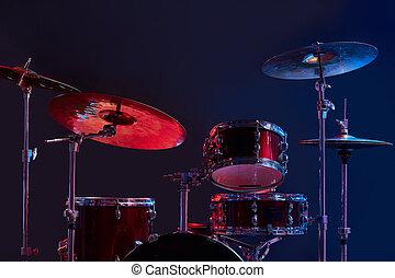 conjunto, estudio, instrumentos, moderno, tambor, oscuridad
