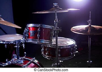 conjunto, primer plano, estudio, aislado, tambor, oscuridad