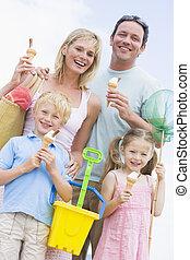 conos, familia , hielo, sonriente, playa, crema