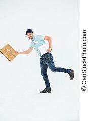 consegna, correndo, felice, uomo, pacchetto
