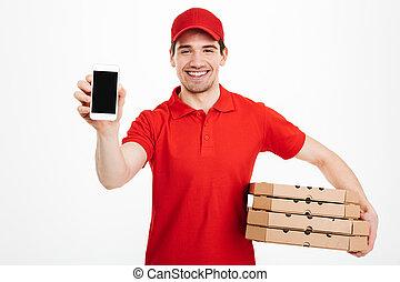 consegna, fondo, servizio, felice, foto, sopra, berretto, isolato, pila, t-shirt, scatole, presa a terra, bianco, uomo, smartphone, esposizione, rosso, pizza