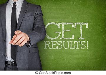 conseguir, resultados, en, pizarra, con, hombre de negocios