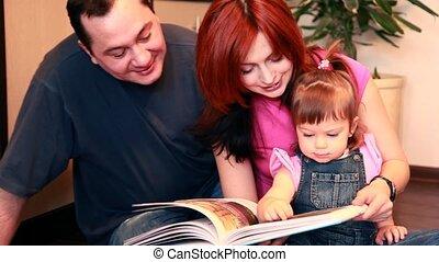 considérer, plancher, séance, livre, parents, dorlotez fille