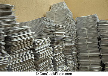 Considerable quantity of paper post envelopes