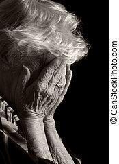 consternation, vieux, elle, figure, mains, triste, femmes