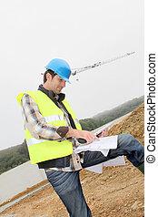 construção, gerente, usando, eletrônico, tabuleta, ligado, local