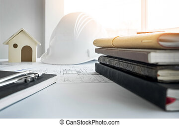 construcción, equipment., reparación, work., dibujos, para, edificio, arquitectónico, proyecto, cianotipo, rollos, y, divisor, compás, en, mesa., ingeniería, herramientas, concepto, con, copia, space.