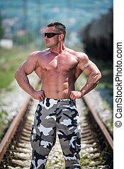 constructeur corps, poser, chemin fer
