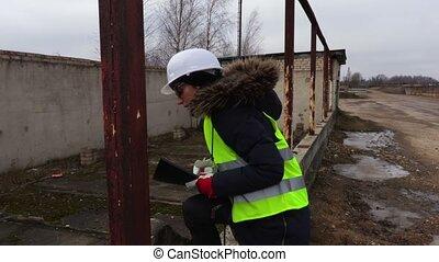 construction bâtiments, ingénieur, inachevé, inspection, femme