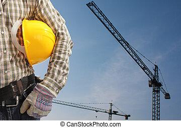constructor, trabajador, en, uniforme, y, casco, operar,...