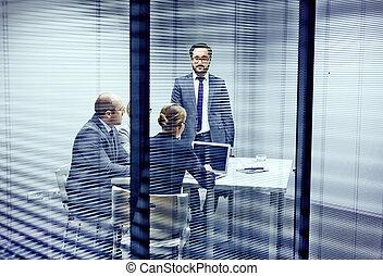 consulente, ufficio