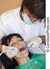 consultant, dentiste