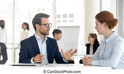 consultant, offre, courtier, ou, directeur, client, confection, mâle, assurance, banque