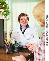 consultant, patient, mûrir, docteur féminin