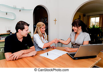 Consulting and contract signature in apartment