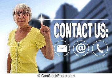 contáctenos, touchscreen, es, mostrar, por, mujeres mayores