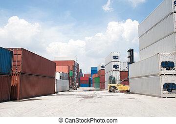 containers., komín, lodní náklad