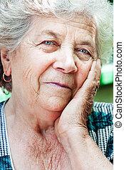 conteúdo, mulher sênior, antigas, feliz