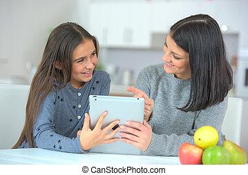contenu, média, projection, fille, mère