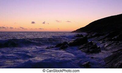 contorno costa, amanhecer