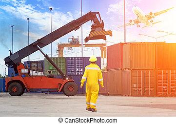 contrôle, contremaître, chargement, récipient, fonctionnement, cargaison, chantier naval, avion, pont, bateau, crépuscule, grue