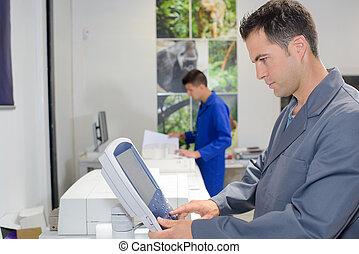 contrôle, utilisation, imprimante, tampon, homme