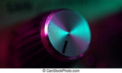 contrôle, volume, vue, buttons., amp., culbuteurs, coloré, light., amplifier., néon, main, guitare, virage, musique, macro, vue., augmenter, boutons, mâle, panneau