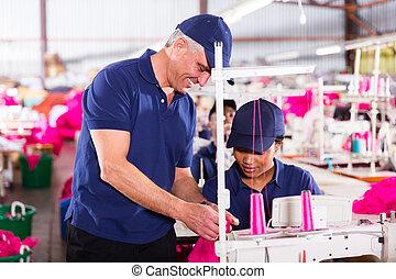 contrôleur, habillement, vérification, usine, point, qualité