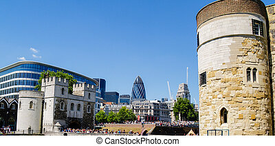 Contrasting London architecture