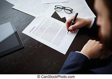 contrato assinando