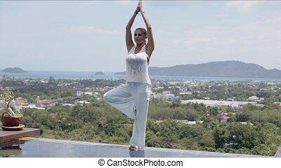 contre, surprenant, yoga, paysage, femme, poolside, adulte,...