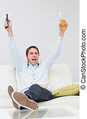 Controle, remoto,  sofá, bebida, alegrando, homem