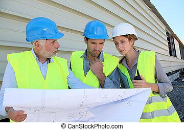 controleren, bouwsector, workteam, bouwterrein, plan