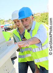 controleren, gebouw, werkmannen , bouwsector, structuur