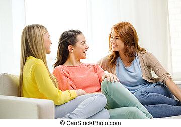 conversa, lar, três, namoradas, tendo