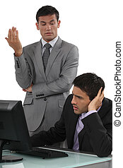 conversación, teniendo, hombres de negocios, difícil