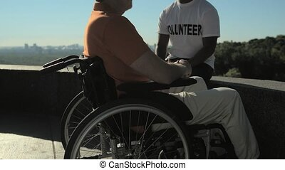 conversation, avoir, homme, gentil, agréable, wheelchaired