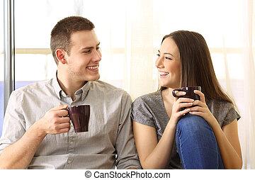 conversation, couple, boire, maison