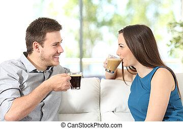 conversation, couple, café buvant