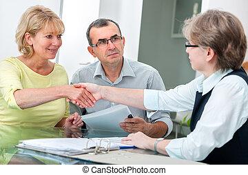 conversation, couple, conseiller financier