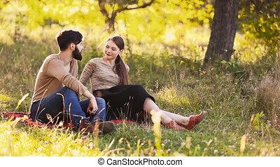 conversation, couple, jeune