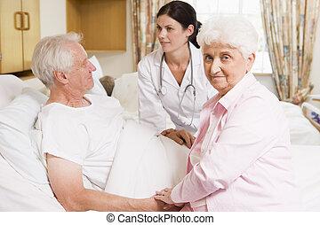conversation, couples aînés, docteur