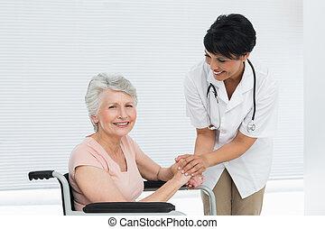 conversation, fauteuil roulant, patient, personne agee, docteur