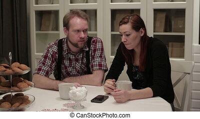 conversation, femme, homme, table