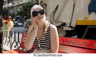 conversation, femme, téléphone., jeune