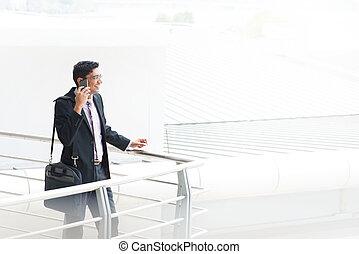 conversation, franc, indien, homme affaires, téléphone