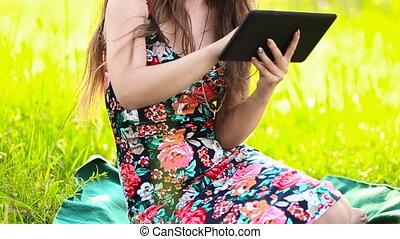 conversation, girl, par, tablette